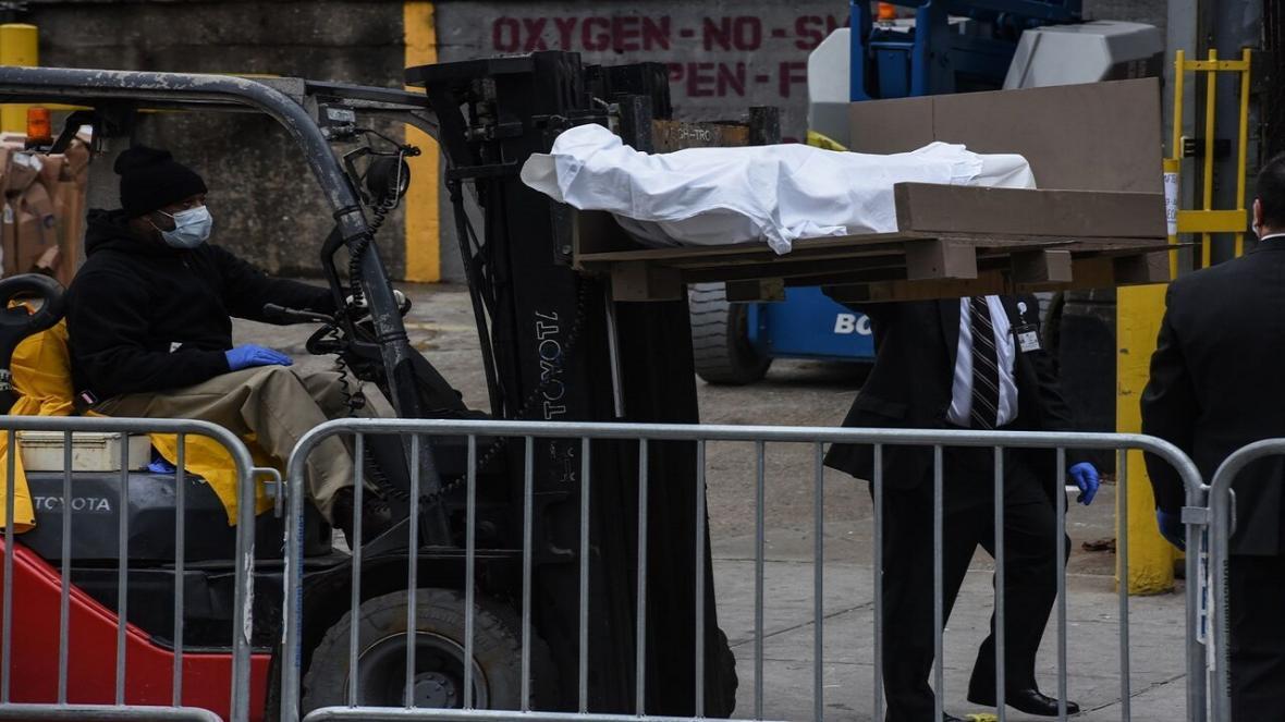 انگلیس هم برای دفن اجساد قربانیان کرونا به گورهای جمعی روی آورد