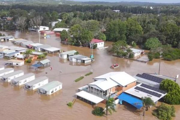 وقوع بدترین سیلاب 60 سال اخیر در استرالیا ، دستور تخلیه هزاران نفر خبرنگاران